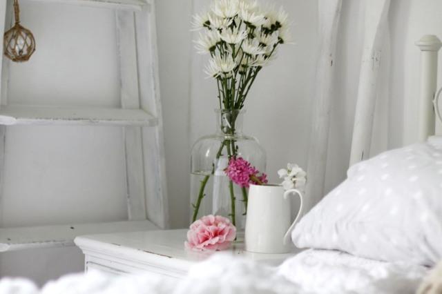20110701-10-camelia-bedroom